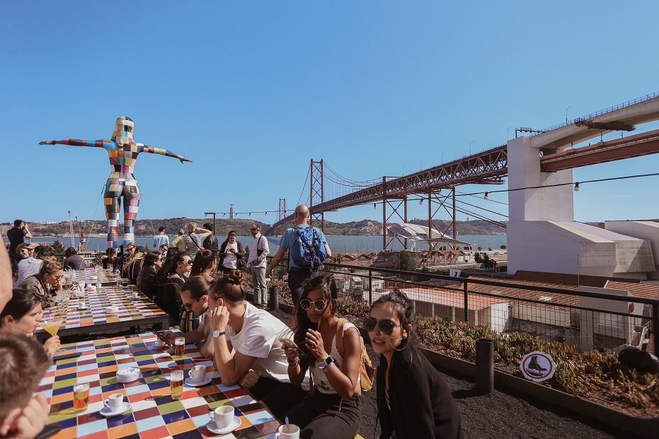Rio Maravilha bar terrace