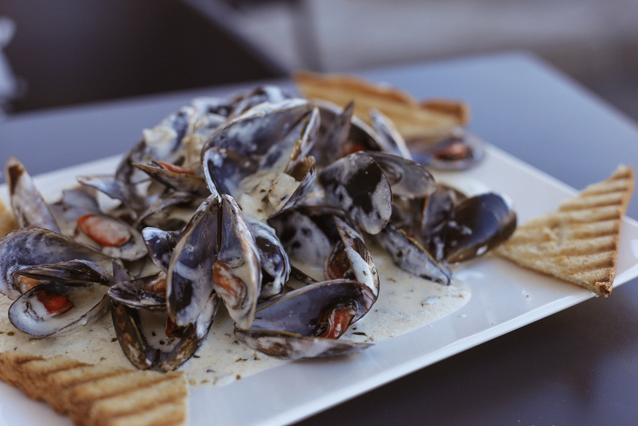 Want to try fresh mussels?