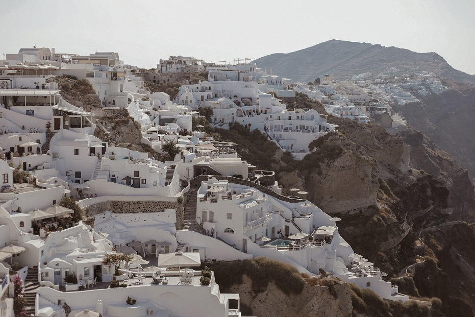 Traditional white houses of Oia city