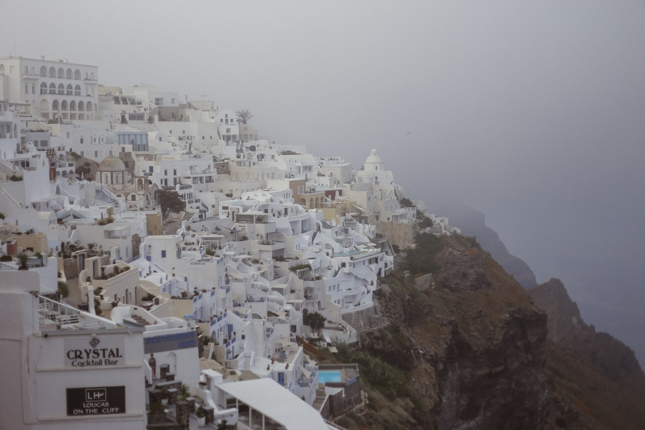 Foggy morning in Fira