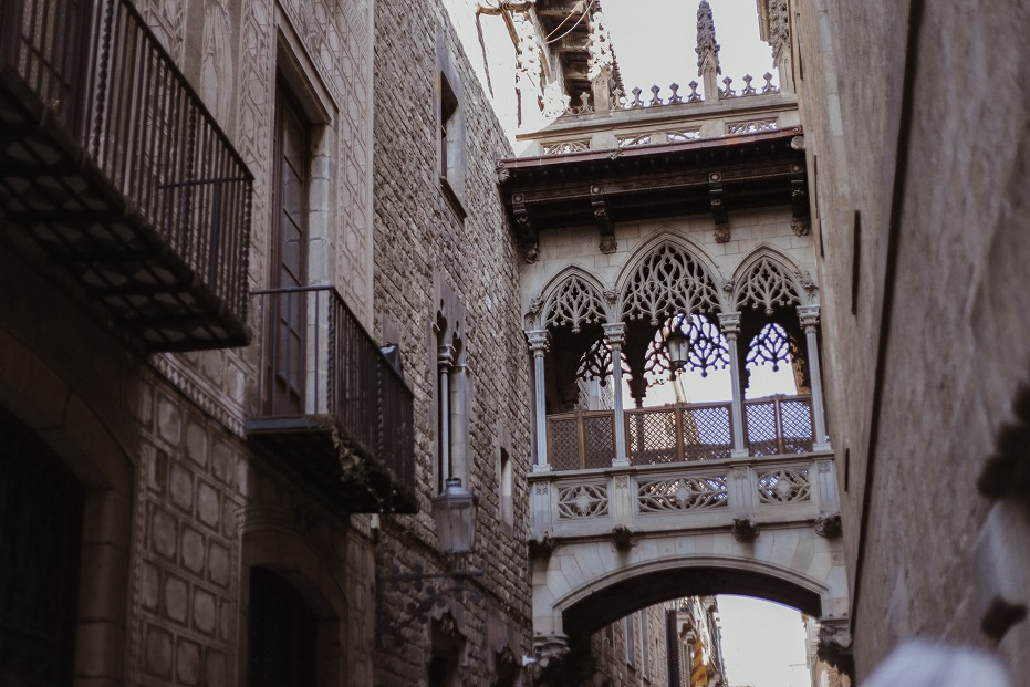 Bisbe Bridge in Gothic Quarter