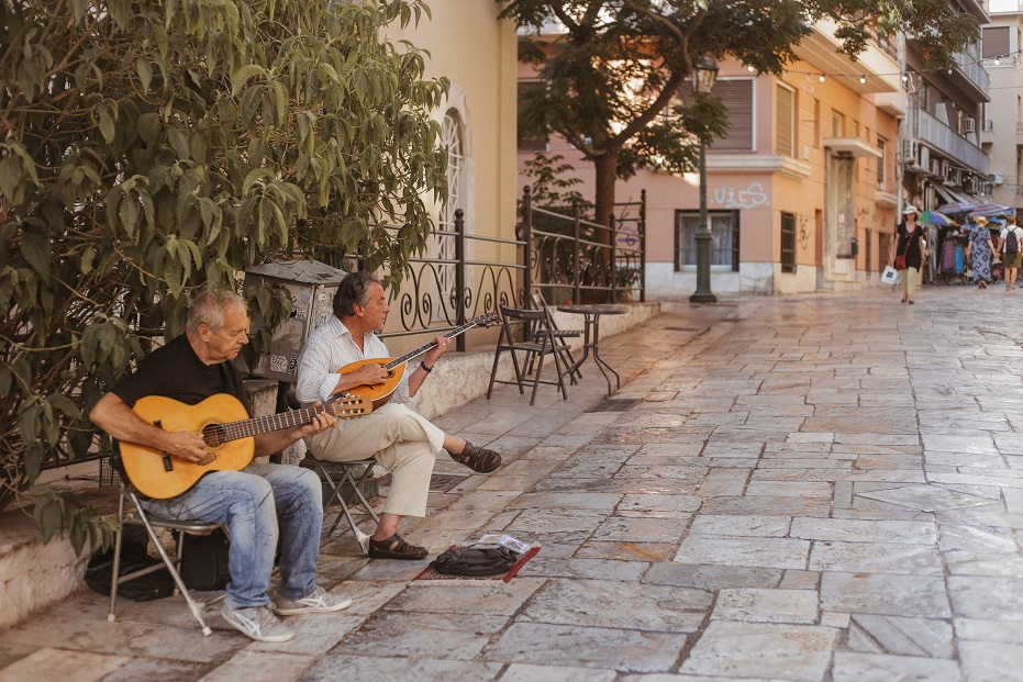 Street musicians in Placa district